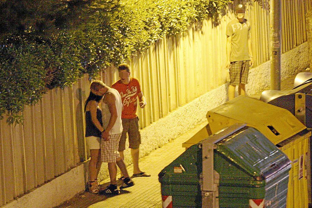 prostitutas jovenes en las palmas callejeros prostitutas barcelona