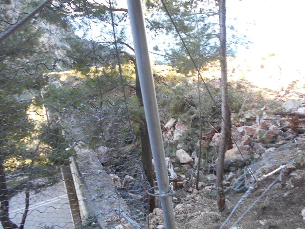 Vista del desprendimiento que se produjo sobre el túnel.