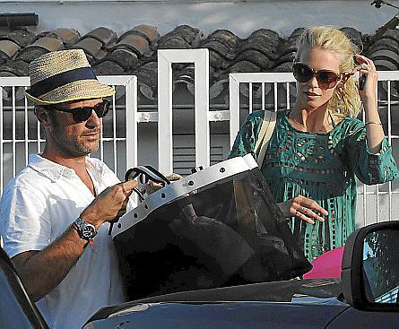 Schiffer y su marido en la Isla en 2011.