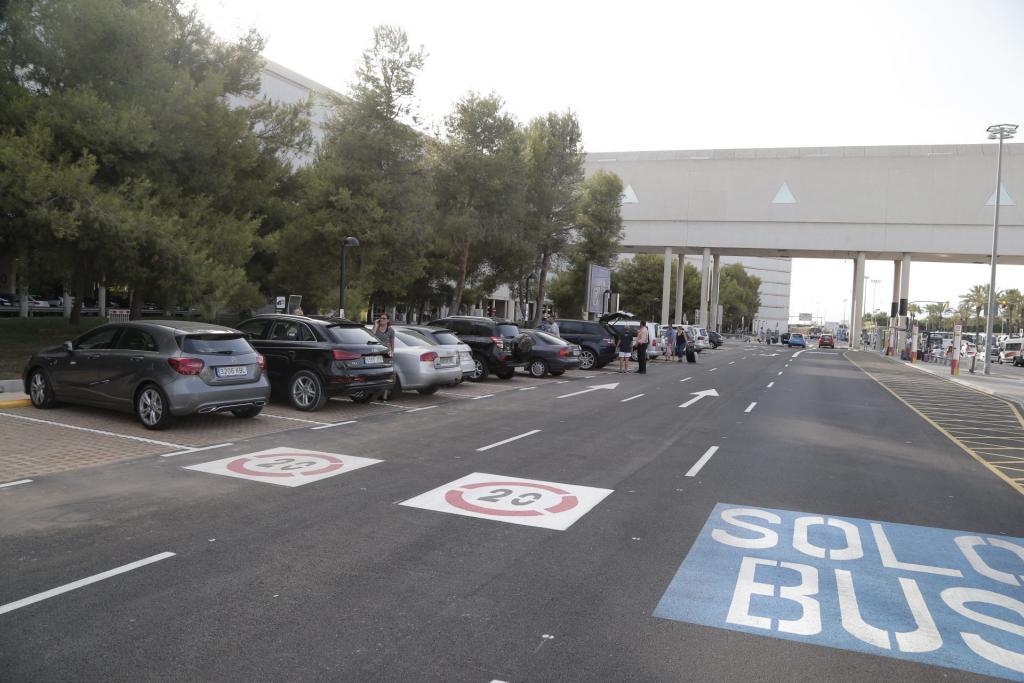 El aeropuerto de Palma habilita un aparcamiento exprés gratuito para la recogida de pasajeros