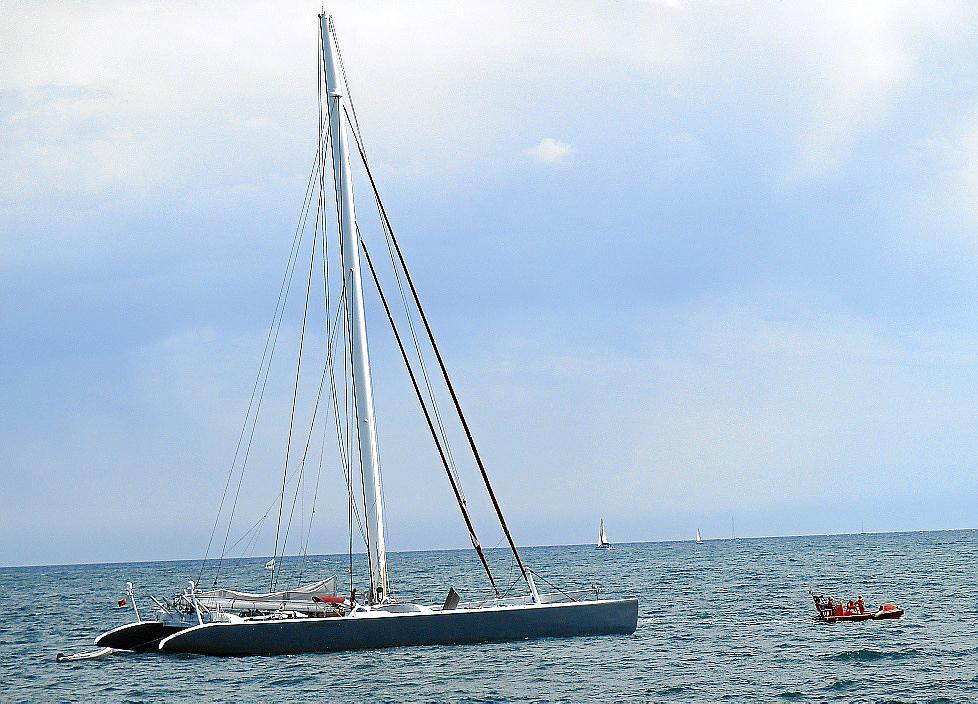 Imagen del catamarán.