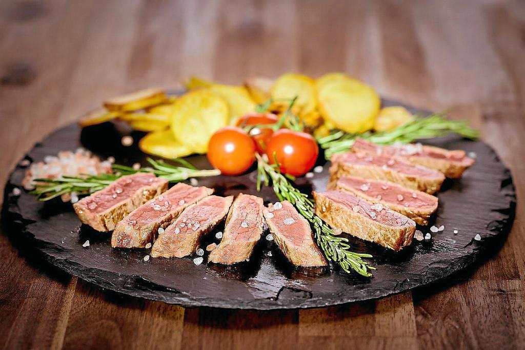 meat-1412214_1280.jpg