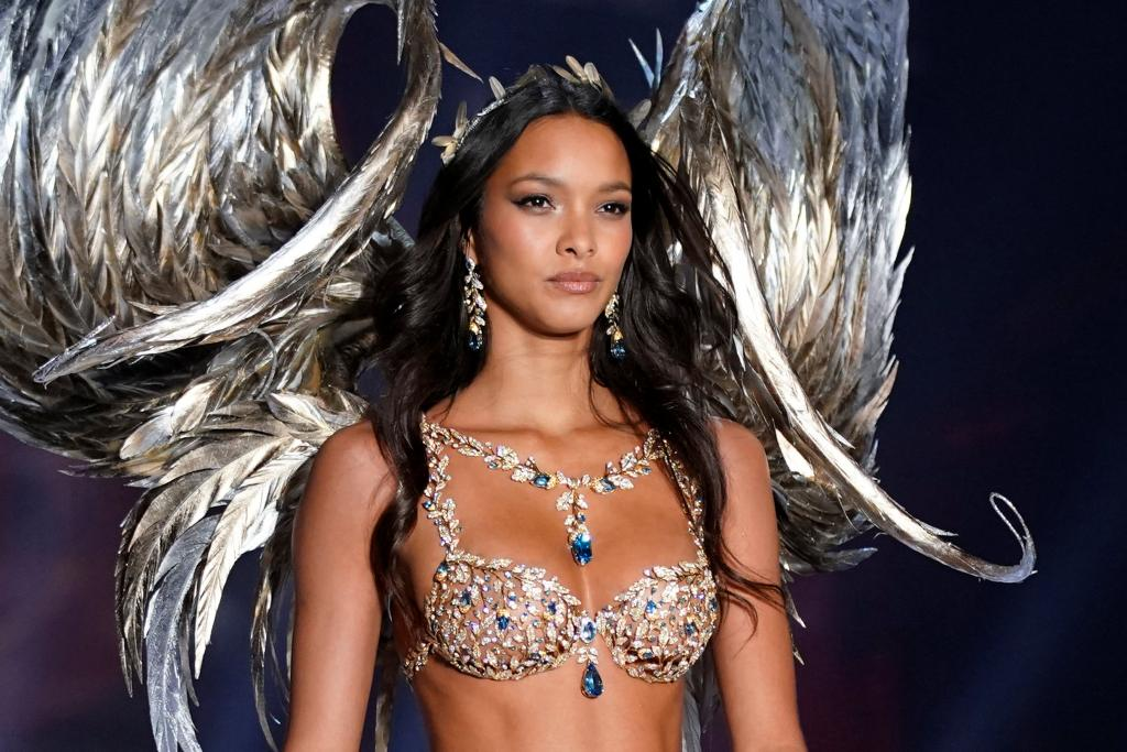 Model Lais Ribeiro presents a creation during the dress rehearsal for the 2017 Victoria's Secret Fashion Show in Shanghai