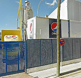 MARRATXI . EMPRESAS. El alcalde, abierto a buscar una solución al cierre de la planta de Pepsi