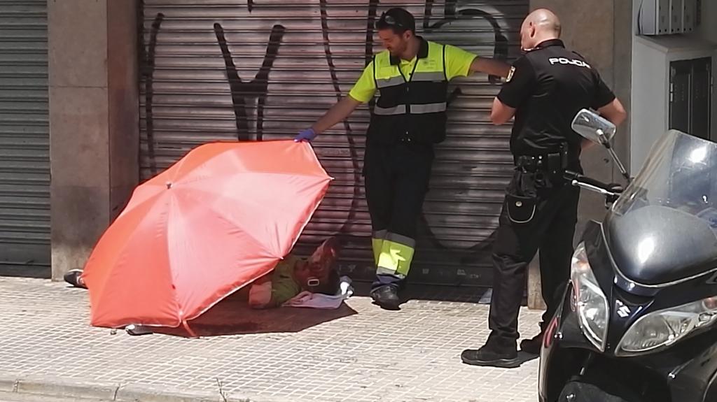 Ataque borracho a una tienda de motos en la calle Espartero 3.jpg
