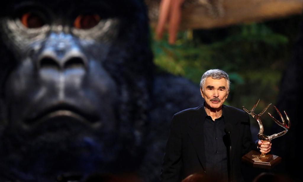 FILE PHOTO: Reynolds accepts Alpha Male award at seventh annual Spike TV's