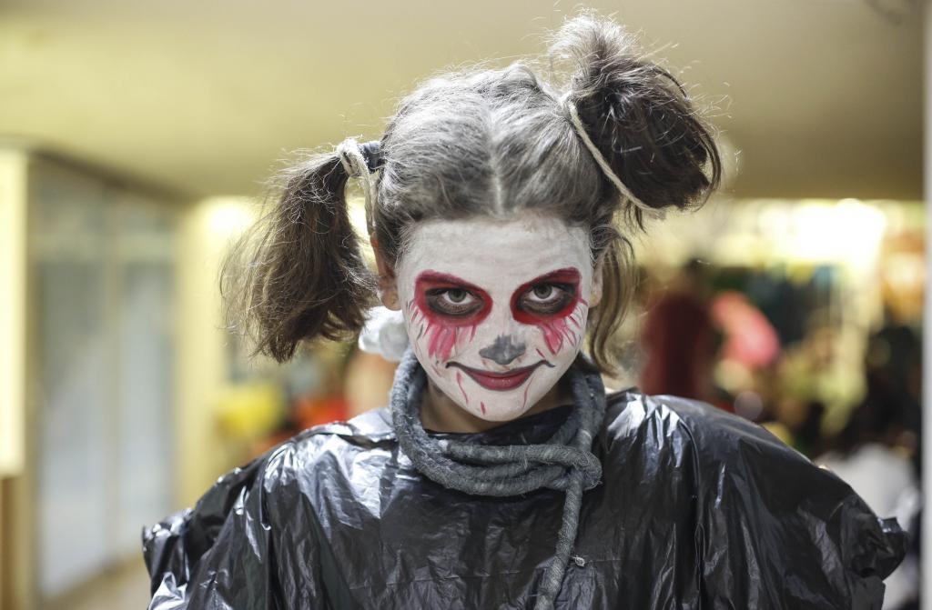 EIVISSA. FIEST AS POPULARES. Fiestas de Halloween y túneles del terror para todos.