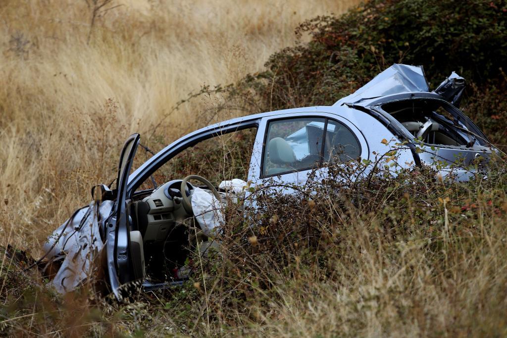 Una niña muere al chocar un coche contra un camión militar en Salamanca