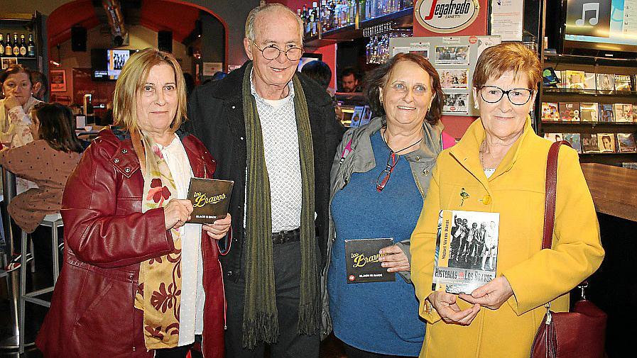 Miguel Vicens presenta un libro sobre la historia de Los Bravos