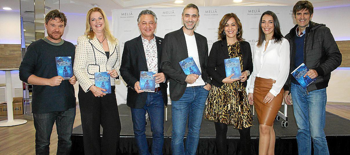 El escritor David Navarro presenta su nueva novela