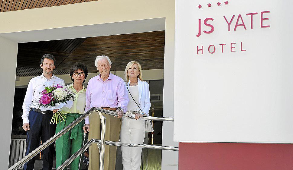 Fiesta de jubilación en el Hotel Yate de Can Picafort