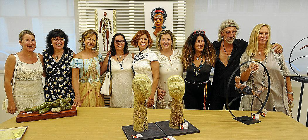 Vicky Pérez expone sus esculturas en el hotel Saratoga