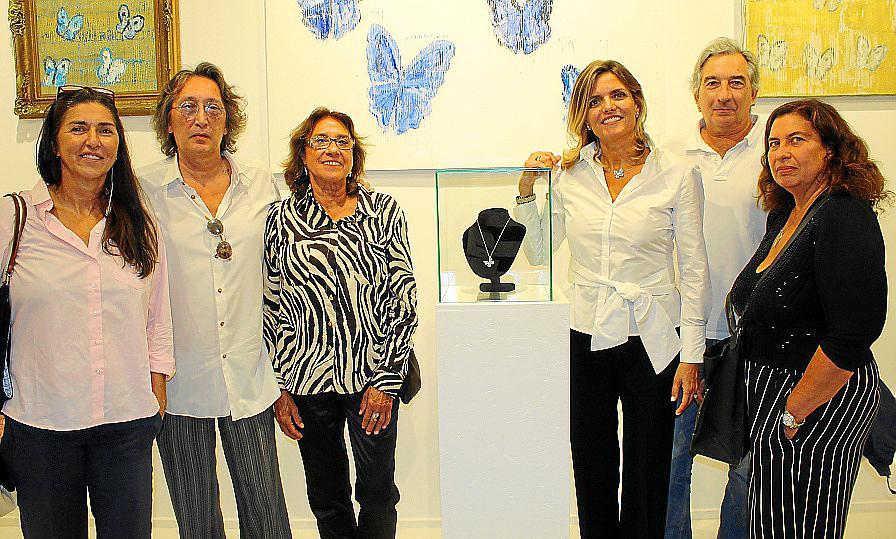 Isabel Guarch presenta su colección 'Papallona'