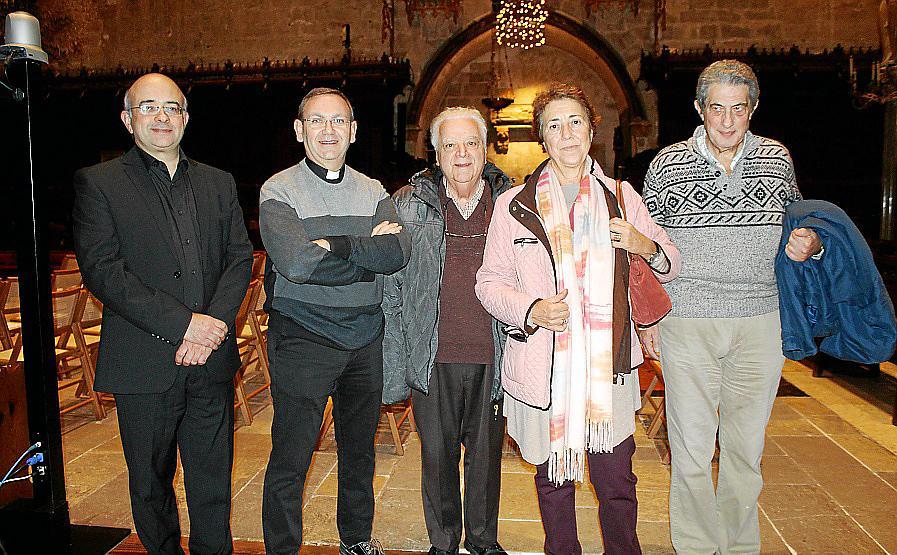 En la Seu de Mallorca se presentaron tres libros de tres canónigos de la catedral.