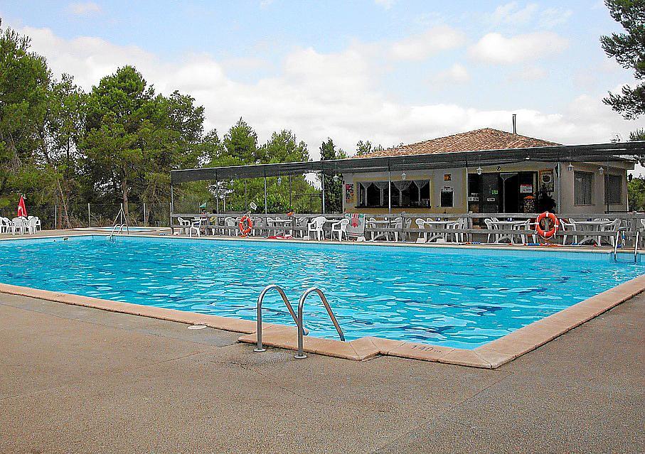 La concesionaria de la piscina denuncia al ajuntament por for Piscina lloret