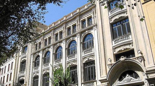 El grupo inditex ampl a su 39 imperio 39 en es born y compra - Zara palma de mallorca ...