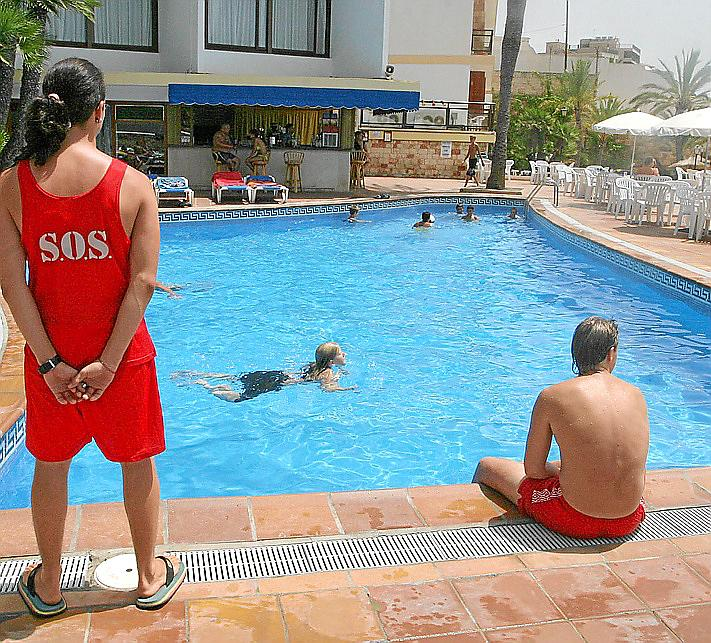 Piscinas en palma de mallorca interesting piscinas en for Piscinas municipales palma