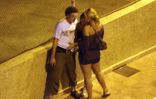 prostitutas por la calle grecia prostitutas  euros