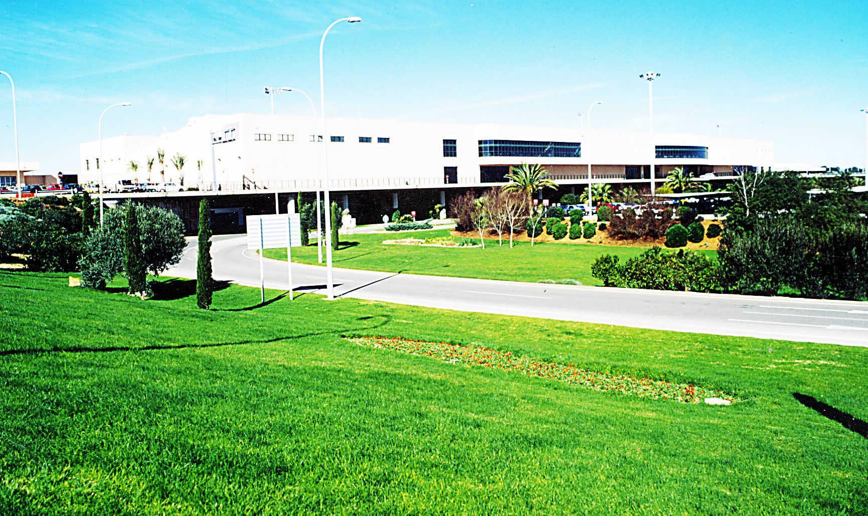 Aeropuerto De Menorca Aeropuertos Transportes Gu A Til  # Muebles Menorca Mahon