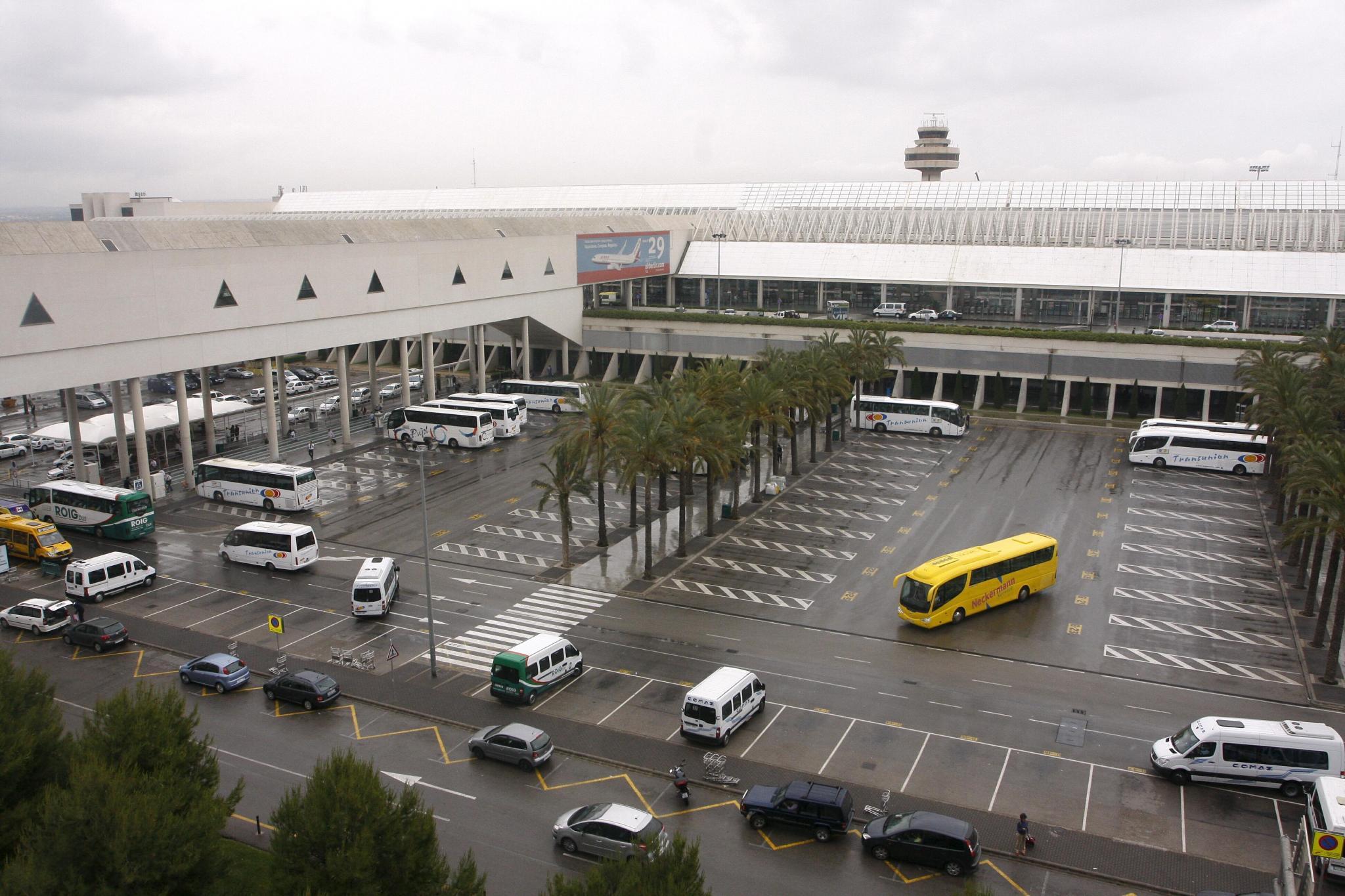 Aeropuerto de palma aeropuertos transportes gu a - Transportes palma de mallorca ...