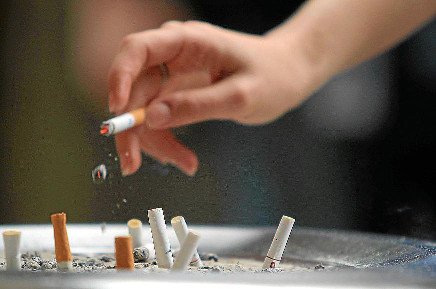 el tsjb sentencia: fumar en el trabajo no es causa de despido