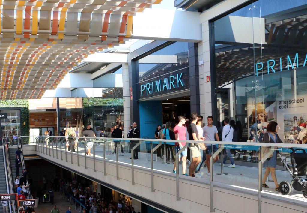 Primark en mallorca tiendas de moda comercio - Centro comercial moda shoping ...