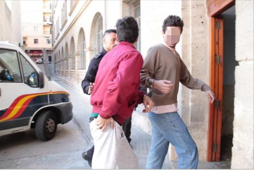 DETENIDOS DOS VIOLENTOS CATALANISTAS QUE AGREDIERON A UN MILITAR ESPAÑOL EN PALMA