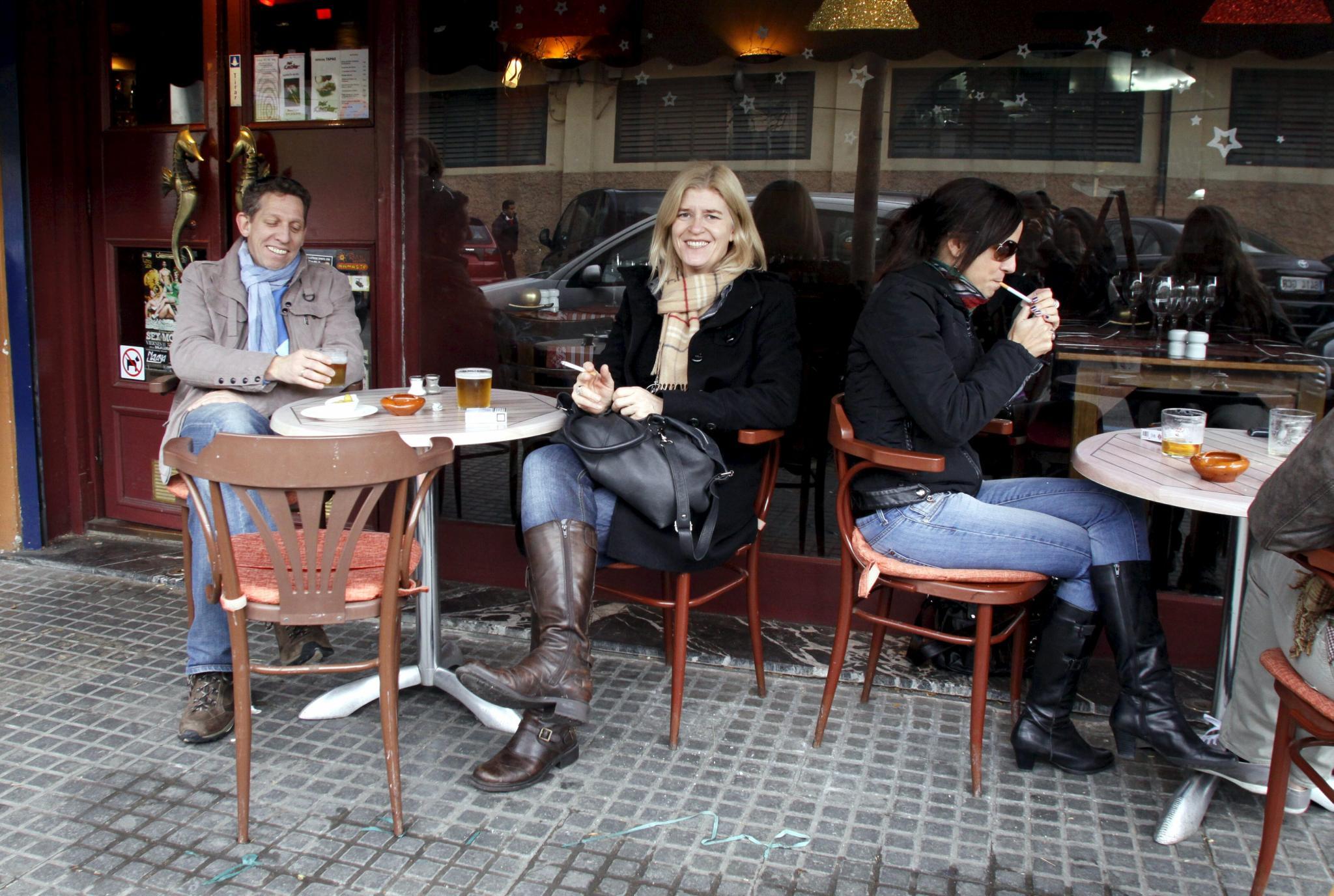 Terrazas De Bar O Restaurant De No Fumadores Existen