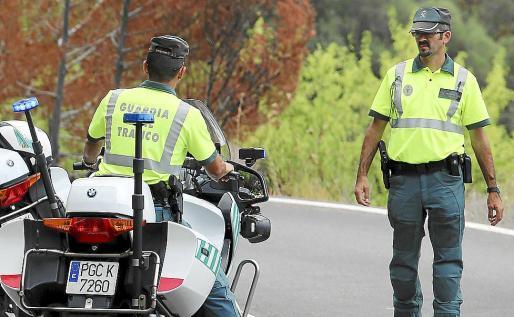 La Guardia Civil de Tráfico comprobó, a través del radar móvil, que el conductor de la moto Kawasaki ZX600 superó la velocidad reglamentaria de la vía, que está limitada a 70 km/h.