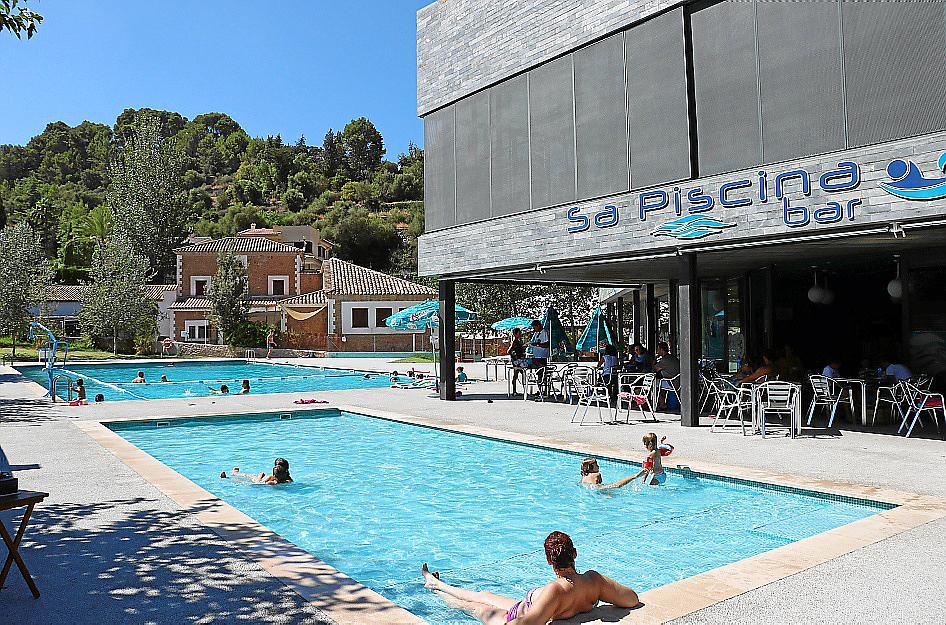 piscinas p blicas oasis en el interior de mallorca
