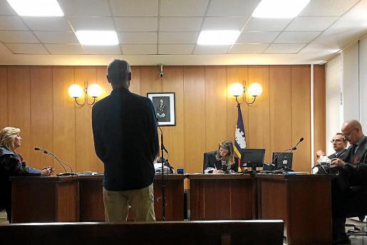 El acusado en el juicio celebrado en los juzgados de Vía Alemania.