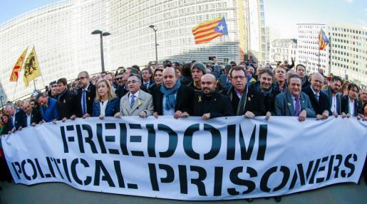 Image result for 200 alcaldes a bruselas