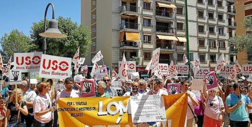 Imagen de archivo de una protesta de profesores de Religión contra la reducción de su jornada.