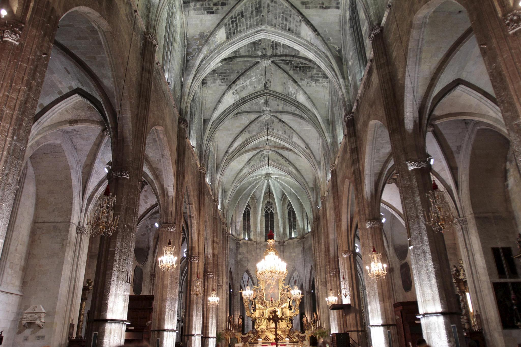 Nueva iluminaci n interior en la iglesia de santa eulalia - Iluminacion interior led ...