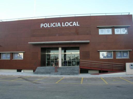 Fachada de la comisaría de la Policía Local de Son Servera.
