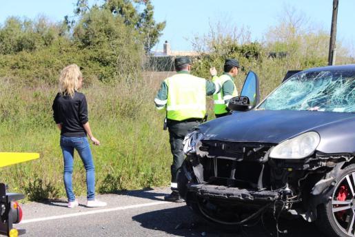 Imagen de la conductora, tras el accidente.