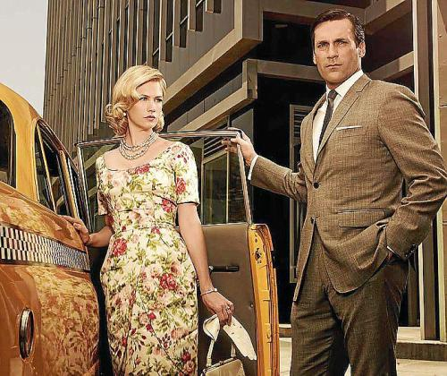January Jones y Jon Hamm interpretan al matrimonio Draper.