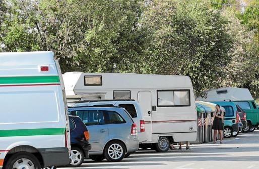 Las autocaravanas han invadido Ciutat Jardí, como suele ser habitual en esta época del año.