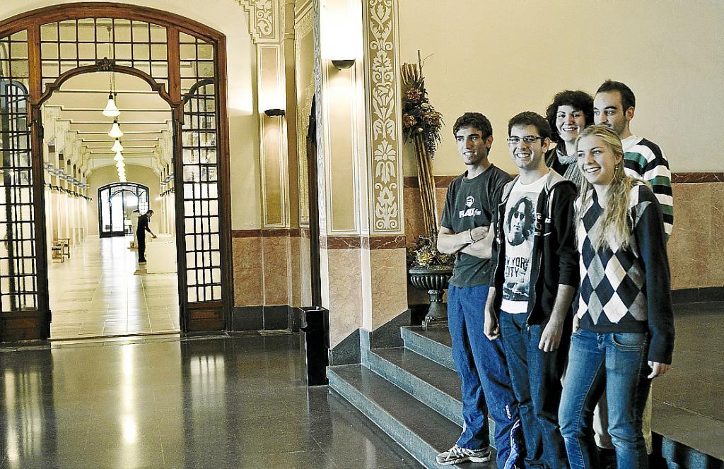 El colegio Ramon Llull de Barcelona, más de 80 años de relación con ...