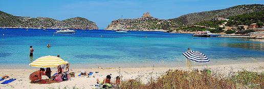 La playa de S'Empalmador es otro de los itinerarios posibles.