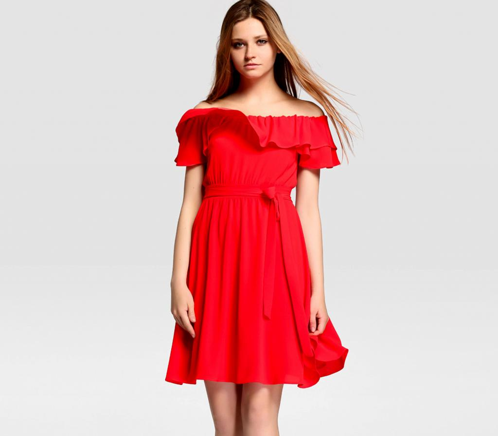 vestido rojo cuello bardot