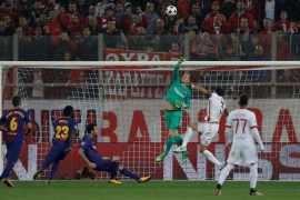 Champions League - Olympiacos vs FC Barcelona