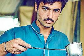 De vendedor de té a modelo de pasarela